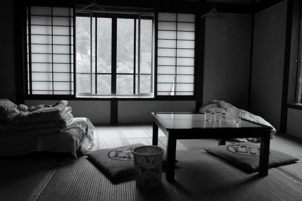 room-bed-and-breakfast-japan-futon
